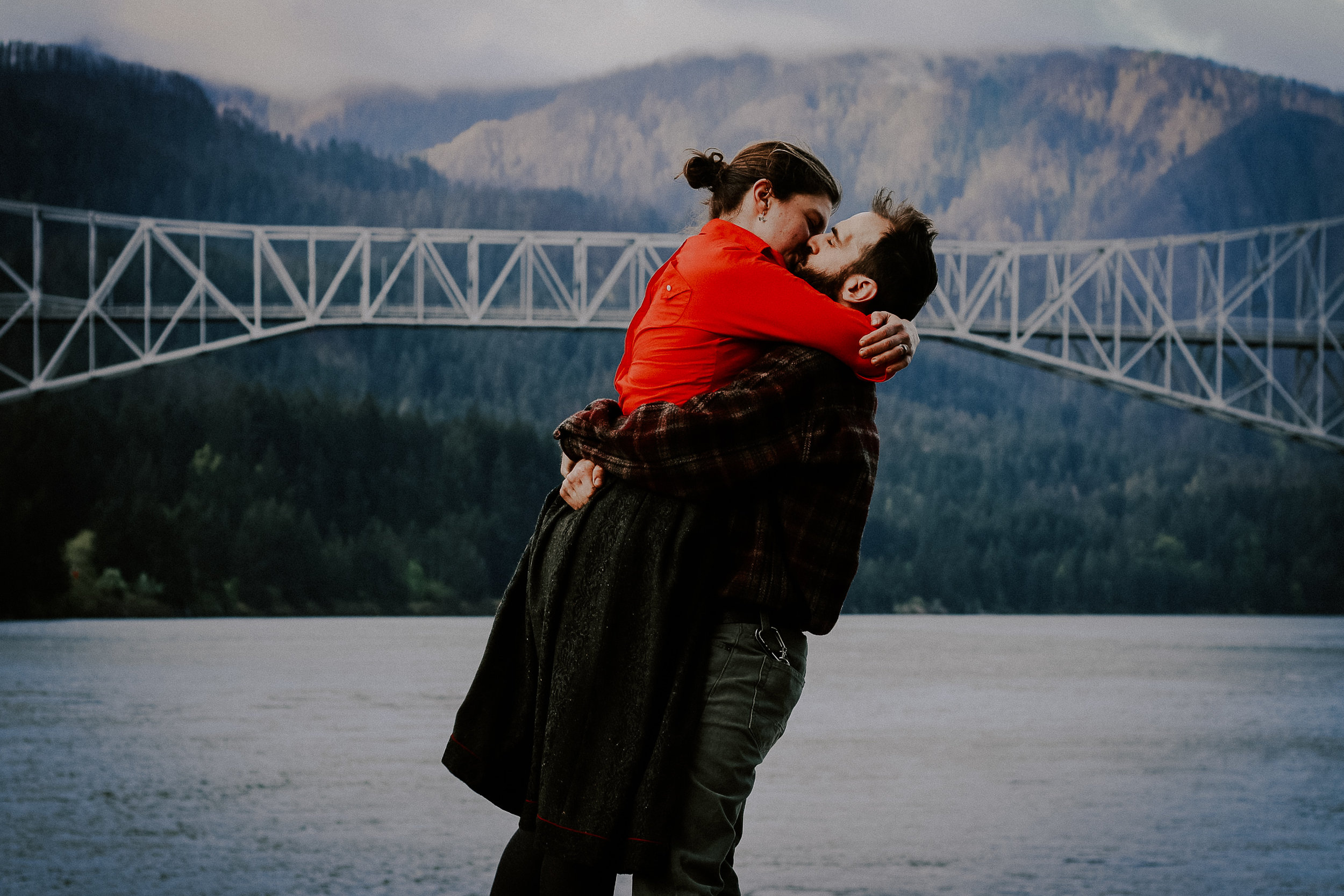 Claire + Wayne - Columbia River Gorge Morning