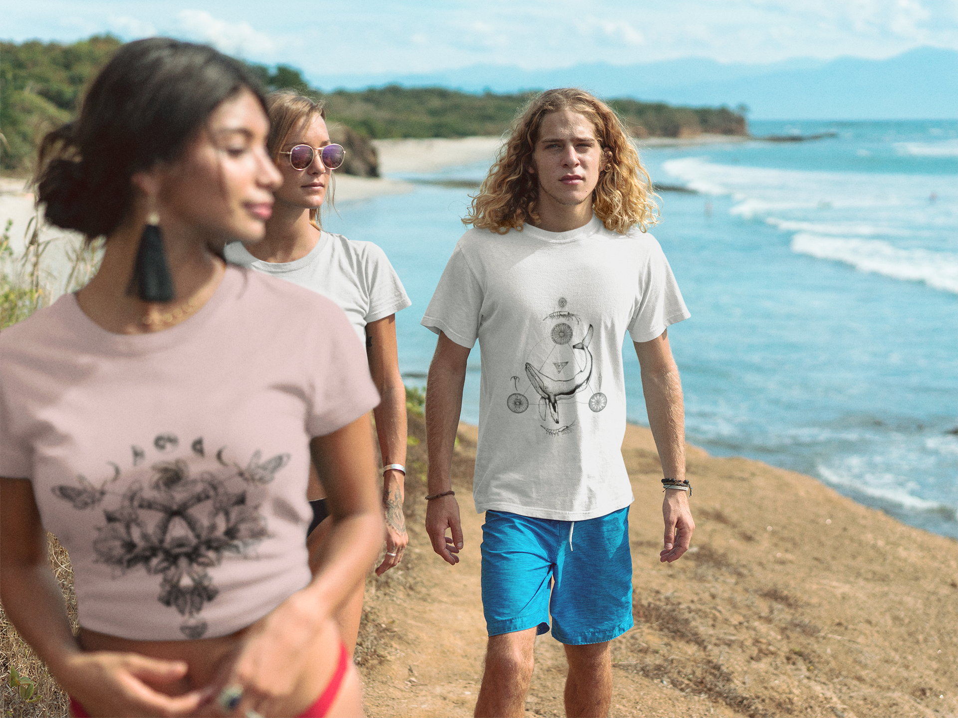 group-of-friends-walking-by-the-beach-wearing-t-shirts-mockup-a18830.png