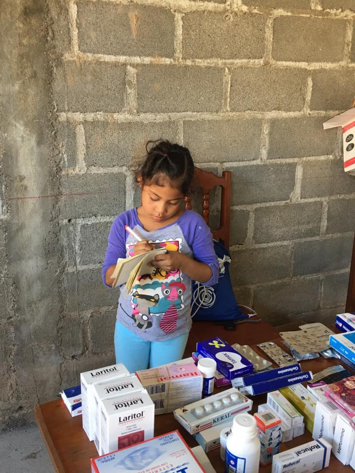 1-great-shot-of-little-girl-Mexico-Roberto-and-Rhesa-Rodriguez.jpg