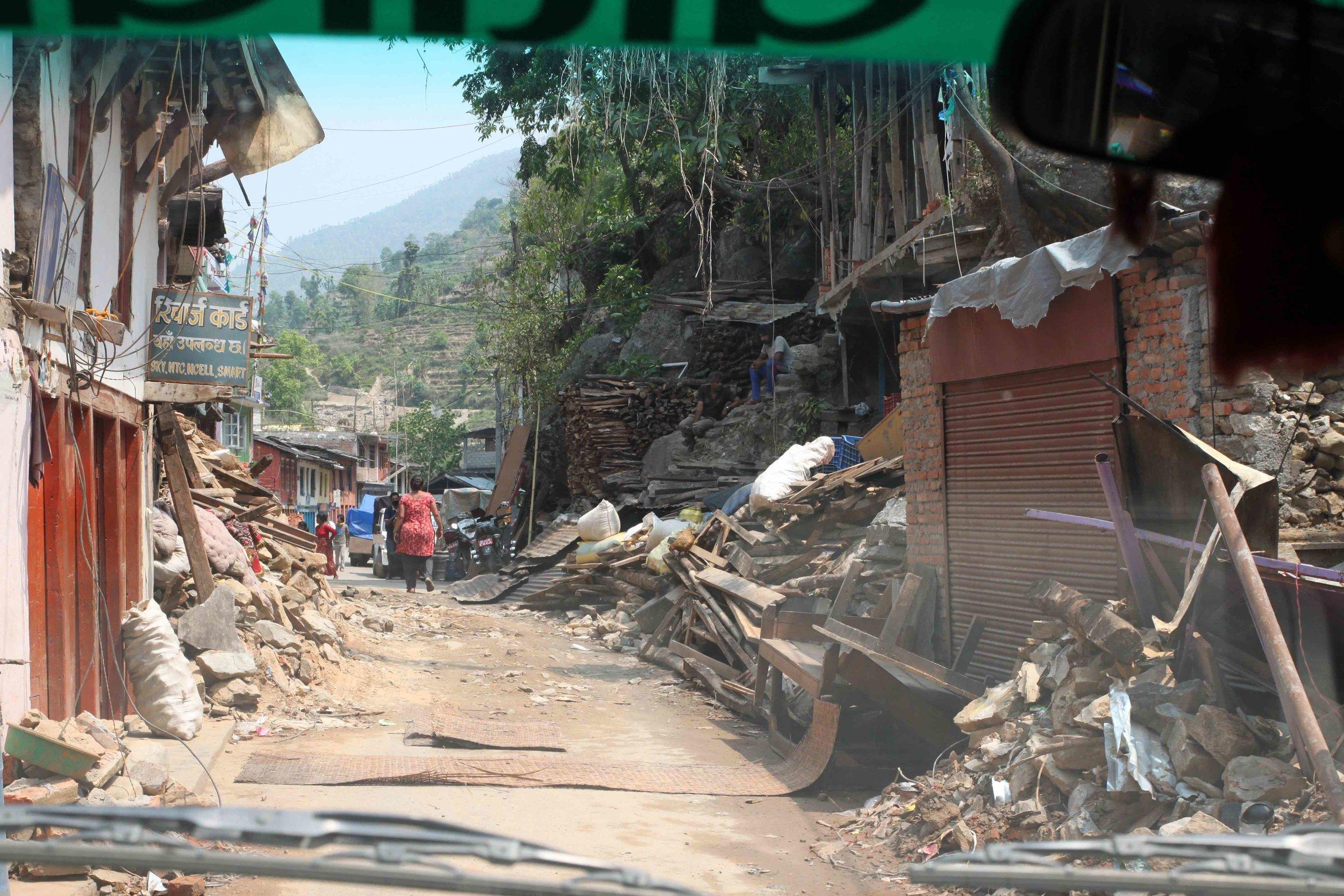 4b.-Wreckage-in-the-road.jpg