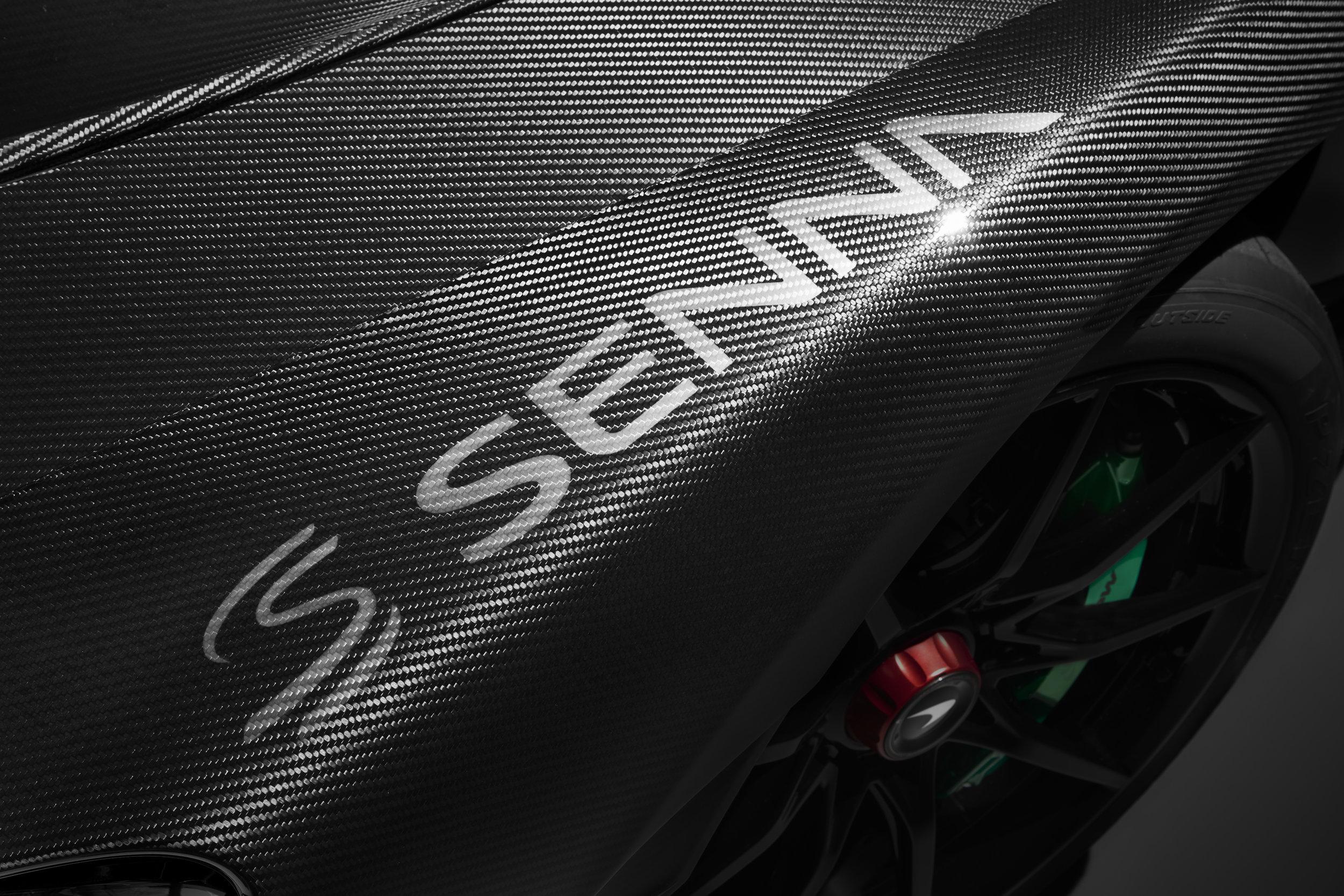 8955McLaren-Senna-Carbon-Theme-by-MSO_05.jpg
