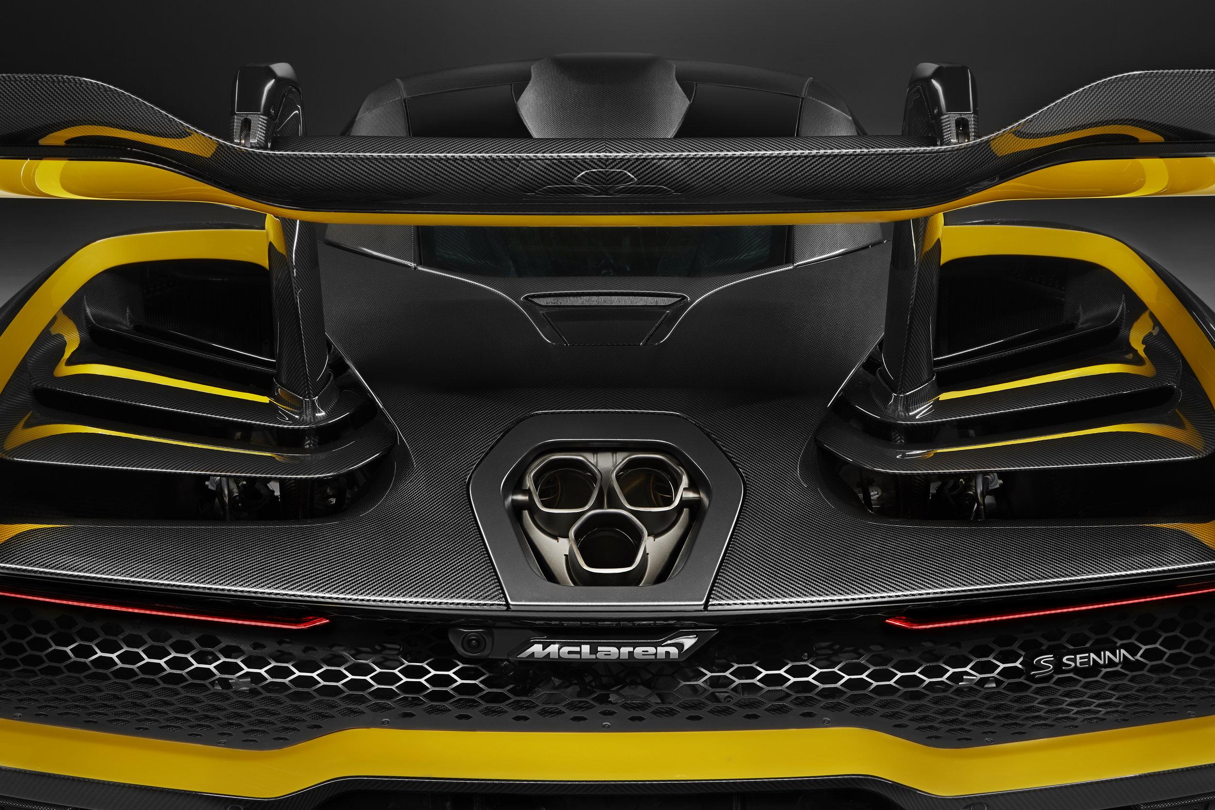 8957McLaren-Senna-Carbon-Theme-by-MSO_07.jpg