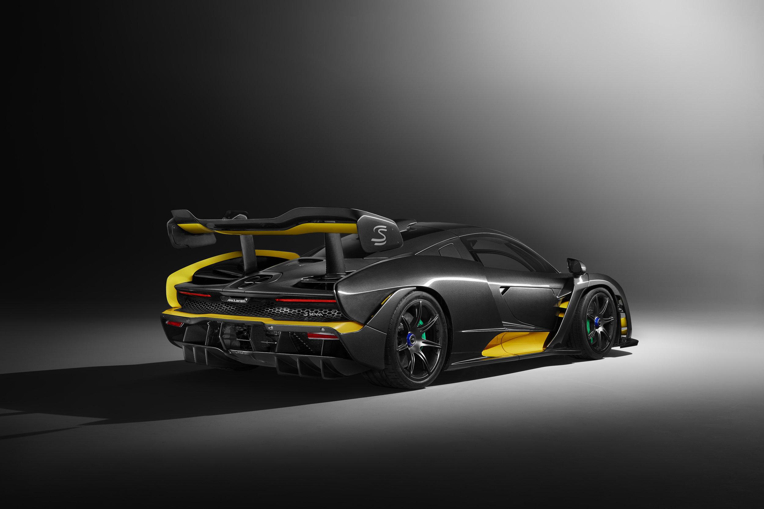 8952McLaren-Senna-Carbon-Theme-by-MSO_02.jpg