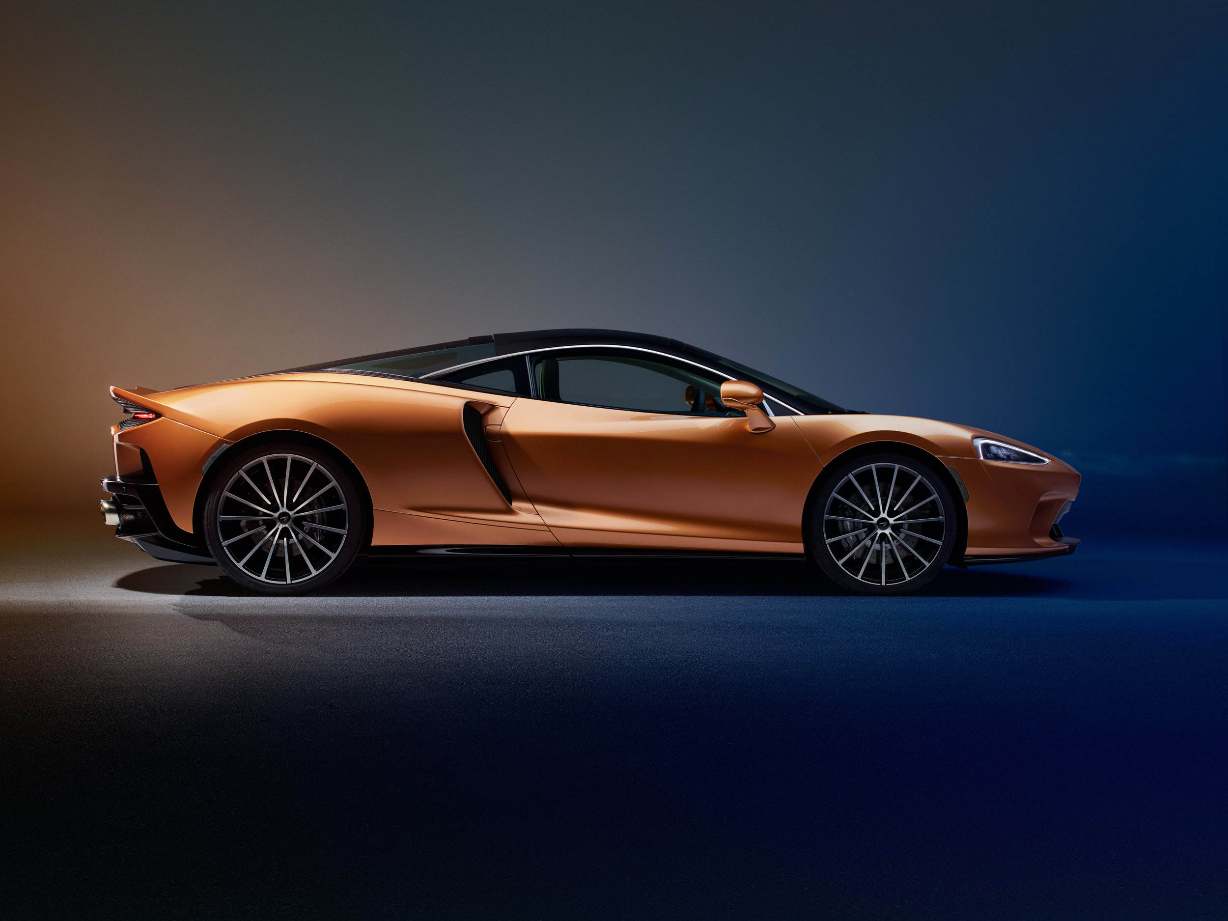 15052019_New McLaren GT_8.jpg