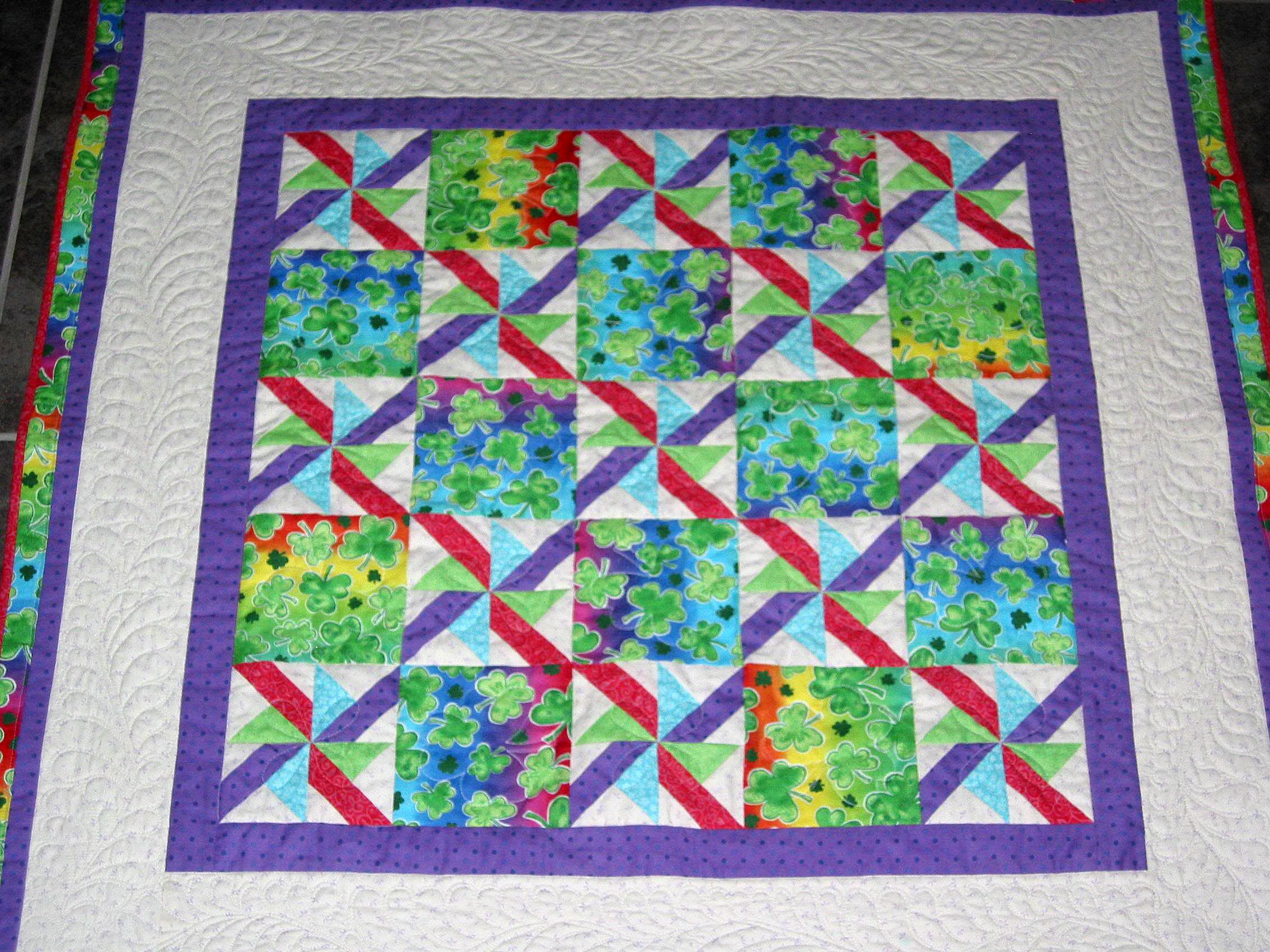 2008 Sep Elizabeth's Shamrock Quilt 2462566210047695897momfjQ_fs.jpg