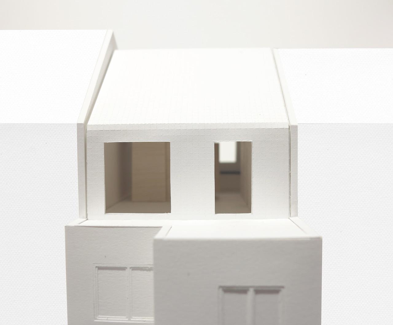Extension en rehausse d'une maison à Bruxelles  by NONANTE architectes & MAMOUT architectes