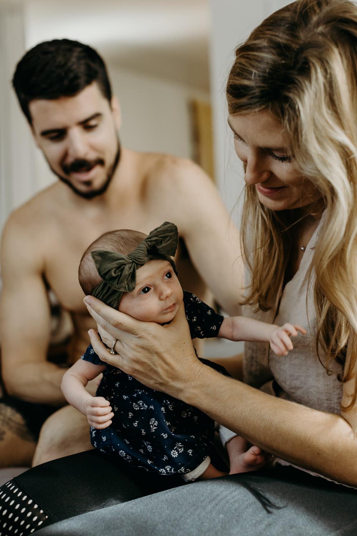 family_home_session_newborn_maui-1-1.jpg