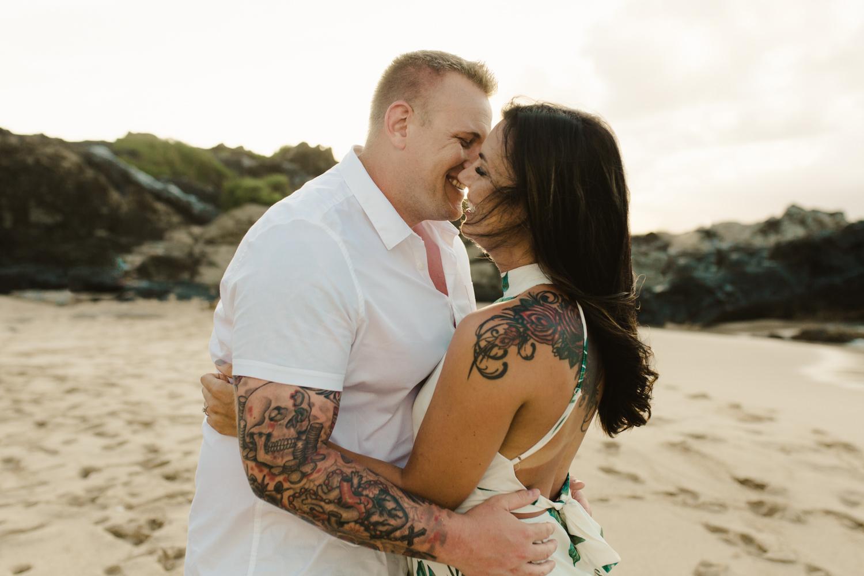 couples_photographer_maui_kapalua-5.jpg