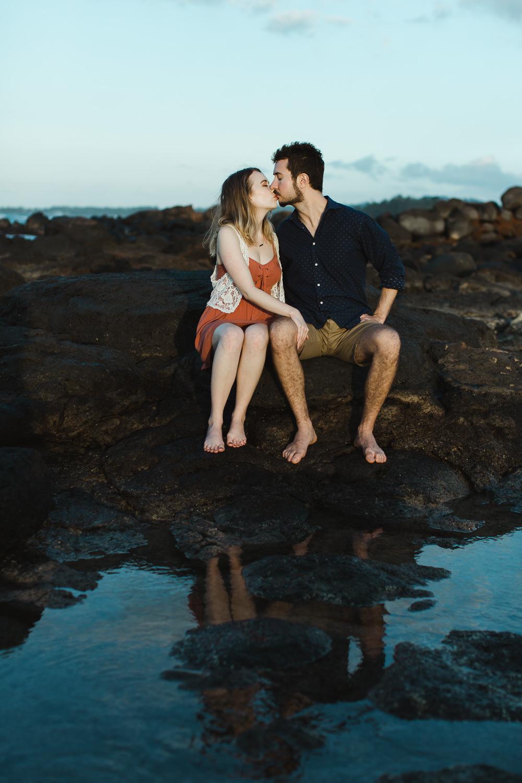 couples_engagement_photos_maui_beach_paia-3.jpg