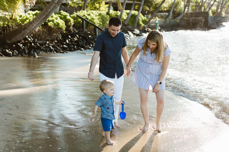 family_photos_maui_baby_beach-5.jpg