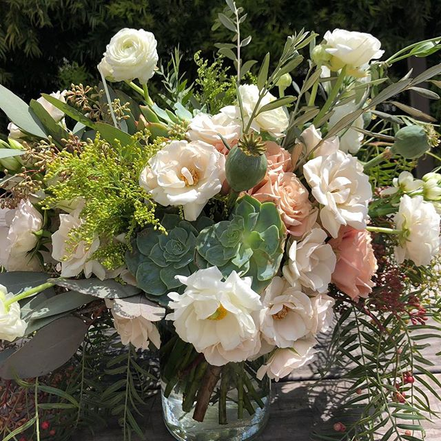 Love the color combination in this bouquet!  And love brides with good taste!