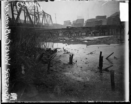 Polluted Bubbly Creek - South Fork of the South Branch of the Chicago River (1911)