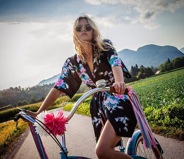 Daze off under the sun...☀️ @neza_presicek 💛 📷 @lovropresicek 💎 . . . . #bingelci #streamers #tassels #kampadanes #vandraj #nasvetzaizlet #femmetravel #wanderlusttribe #hamade #cycling #bike #womenwhoexplore #placetovisit #escapesnaps #leather #thefashionistasdiary #travelnomad #amazingearthofficial #dametraveller #girlsabroad #roamingwomen #blondesandcookies #vacationgoals