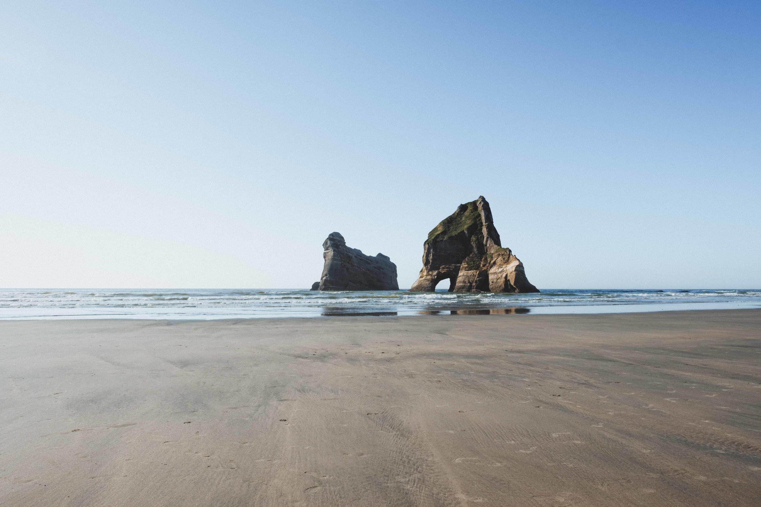 Archway Islands, symbole le plus connus de Wharariki Beach, que l'on retrouve sur les cartes postales ;)