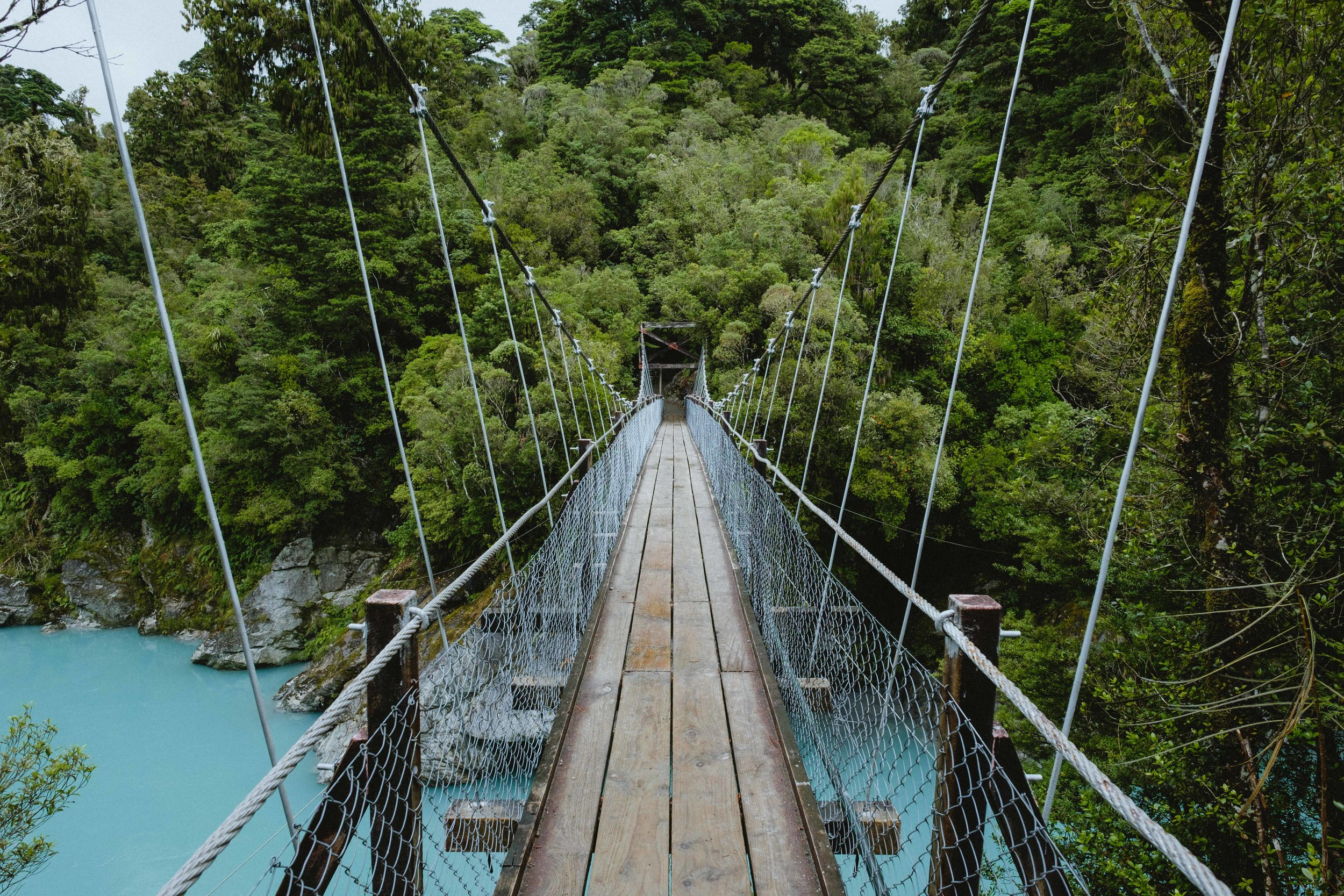 et pour couronner le tout, un petit pont suspendu ! ..eh oui, il y en a jamais trop :P