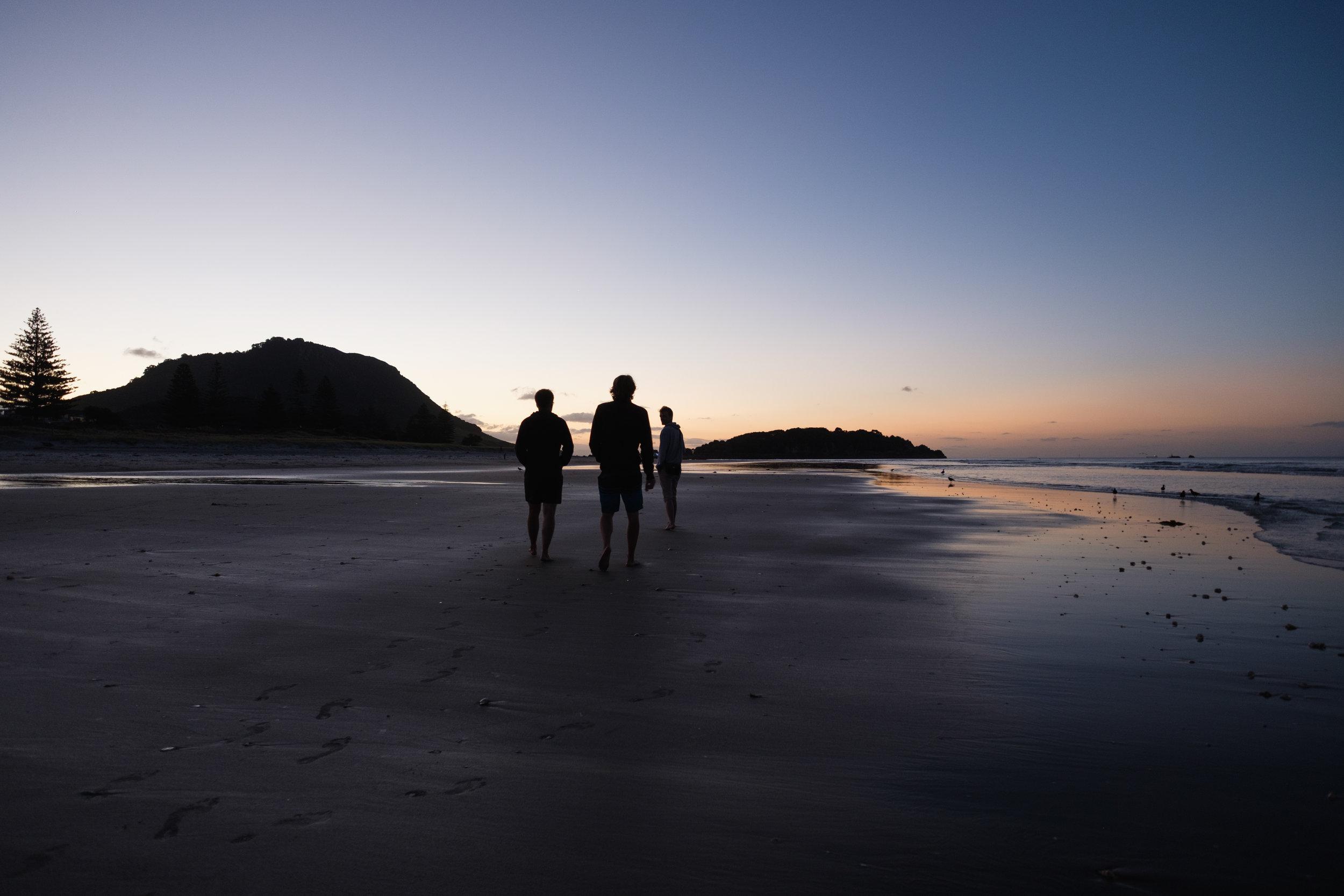 ... on a encore plein de couchers de soleil (au ciel tout rose bien sûr)à voir ensemble :D :D