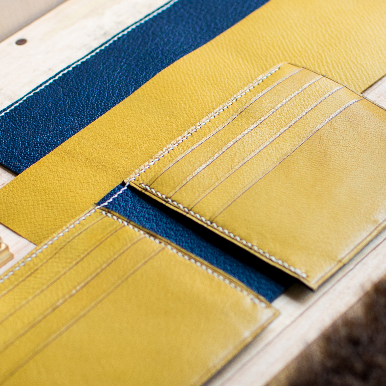 Bifold Wallet in the Making (Chevre Yellow & Marine)