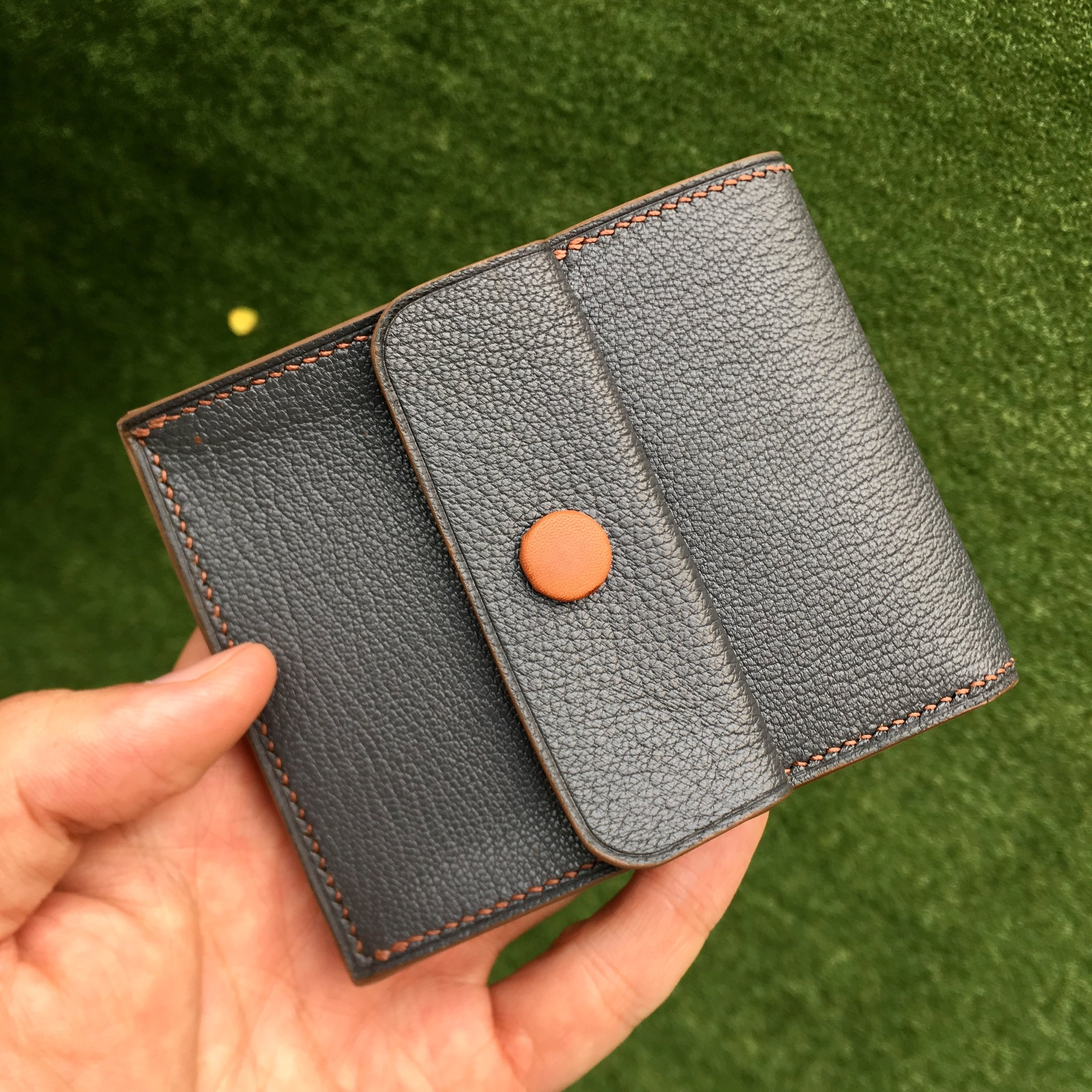 Bifold Wallet     6 card slot with single note compartment plus a coin compartment