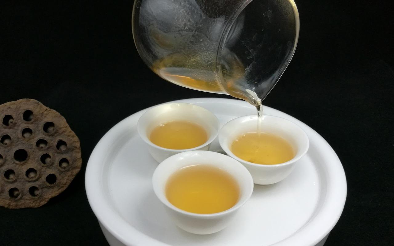 oolong tea 2.jpg