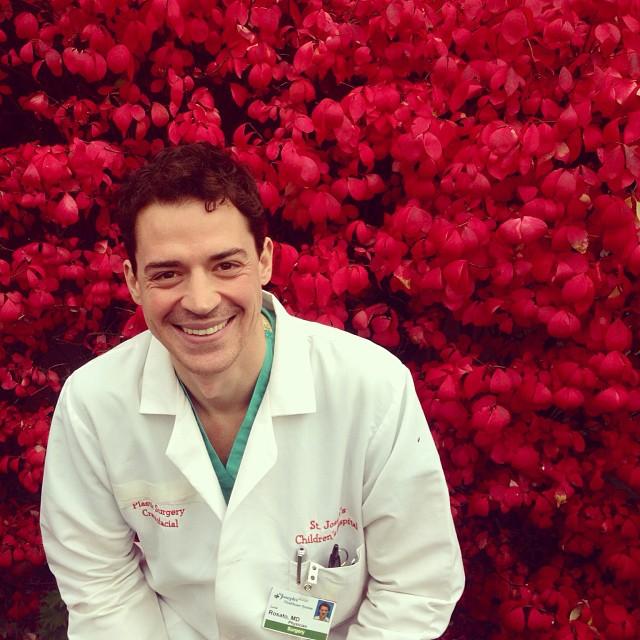 Ricordi - Novembre 2013, i colori dell'autunno fuori il St. Joseph Hospital di Paterson, New Jersey (USA)