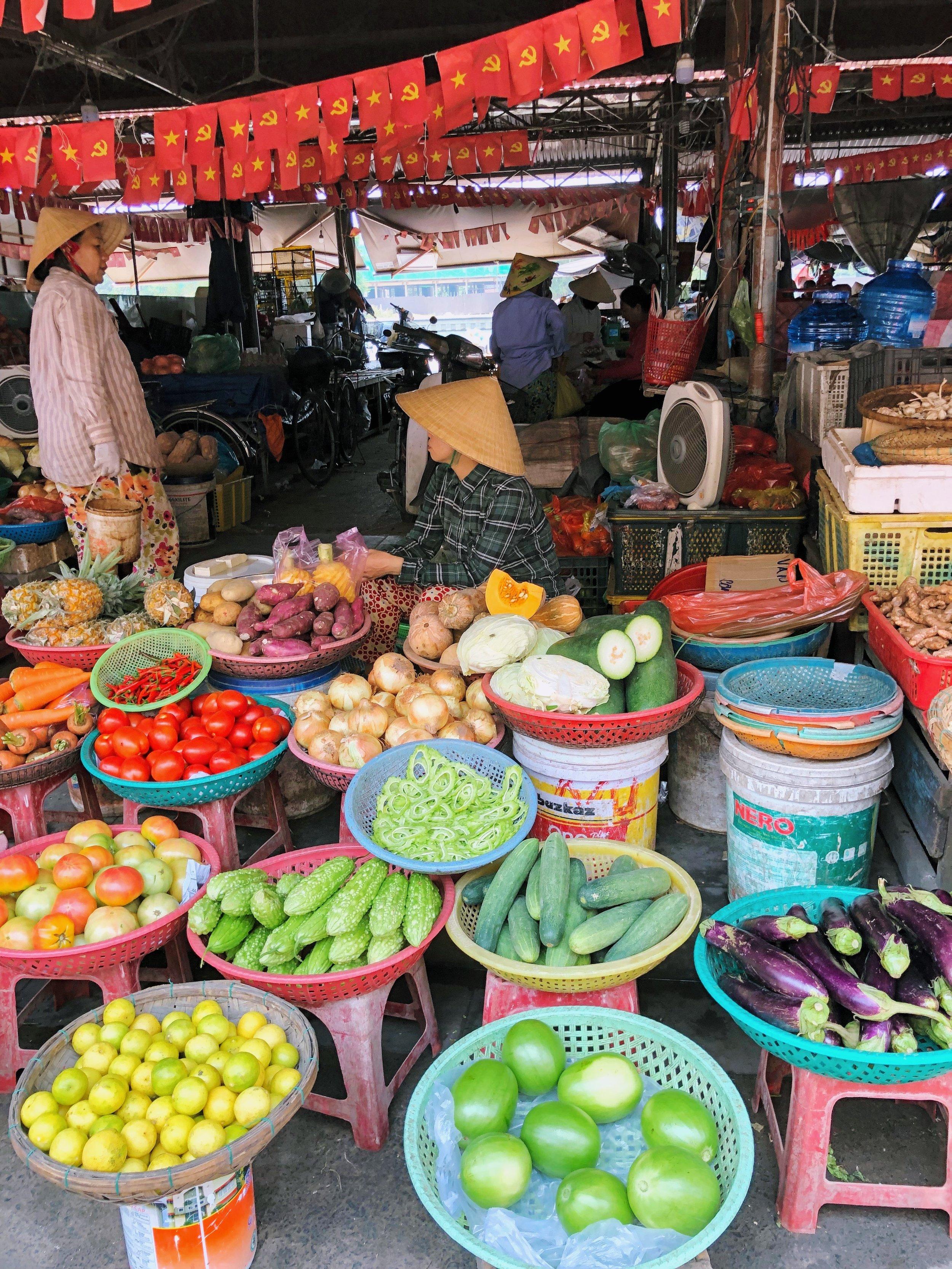 Food market. Hoi An.
