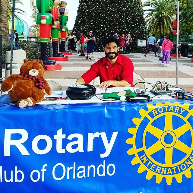 Gregory Emcee for the First Annual Orlando Rotary Christmas Parade today at 4pm downtown Orlando!!! #christmas #parade #orlando #florida #spinningangelasweb