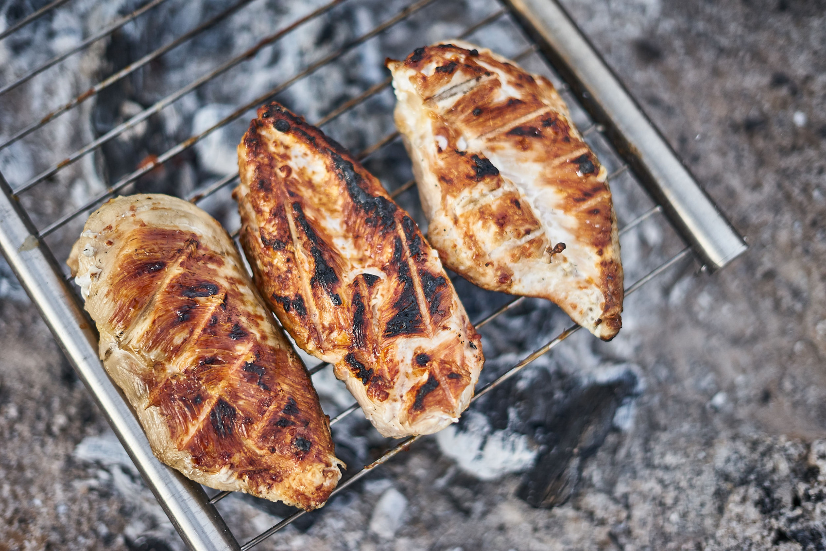 The best grilled chicken when camping! Check out this great healthy car camping dinner idea - chicken fajitas.