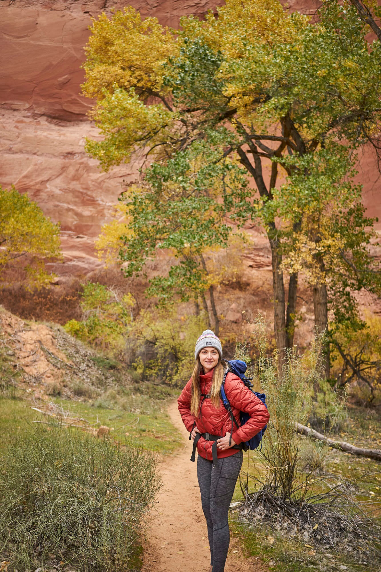 Amanda Outside backpacking in Coyote Gulch Utah. Plan your trip with this guide. www.amandaoutside.com