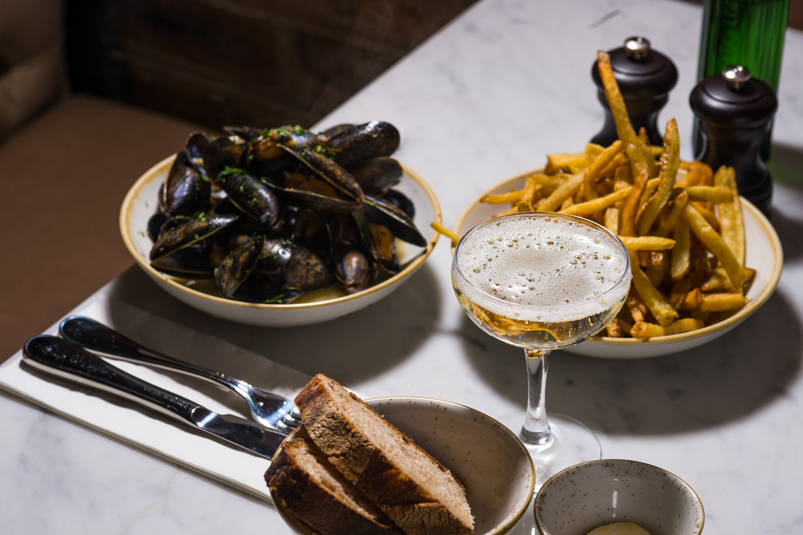 mussels and chips.jpg