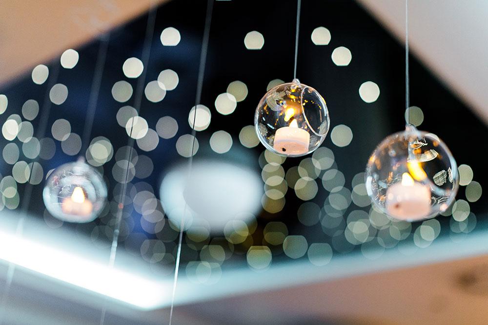 2-wilde-thyme-wedding-hanging-glass.jpg