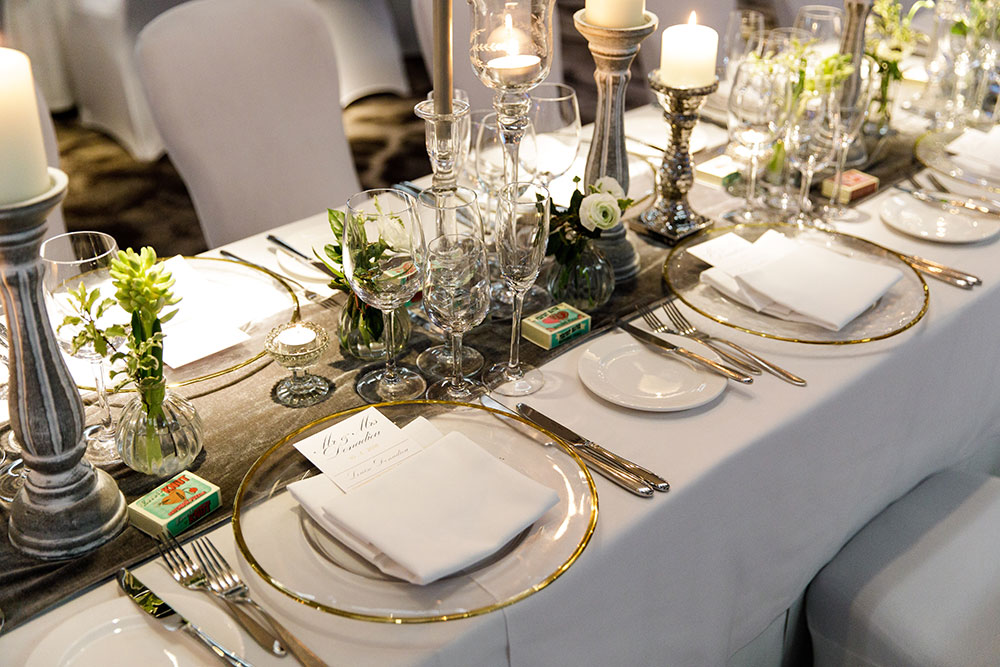 5-wilde-thyme-wedding-table-decor-banquette-style-royal-yacht.jpg