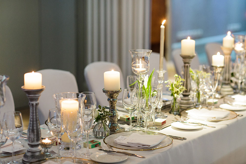 7-wilde-thyme-wedding-table-decor-banquette-style-royal-yacht.jpg