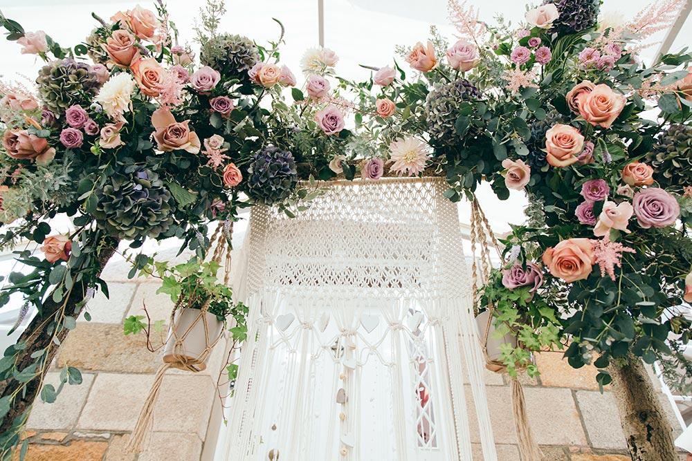 4-wilde-thyme-wedding-flowers-bridal-blush-ivory.jpg