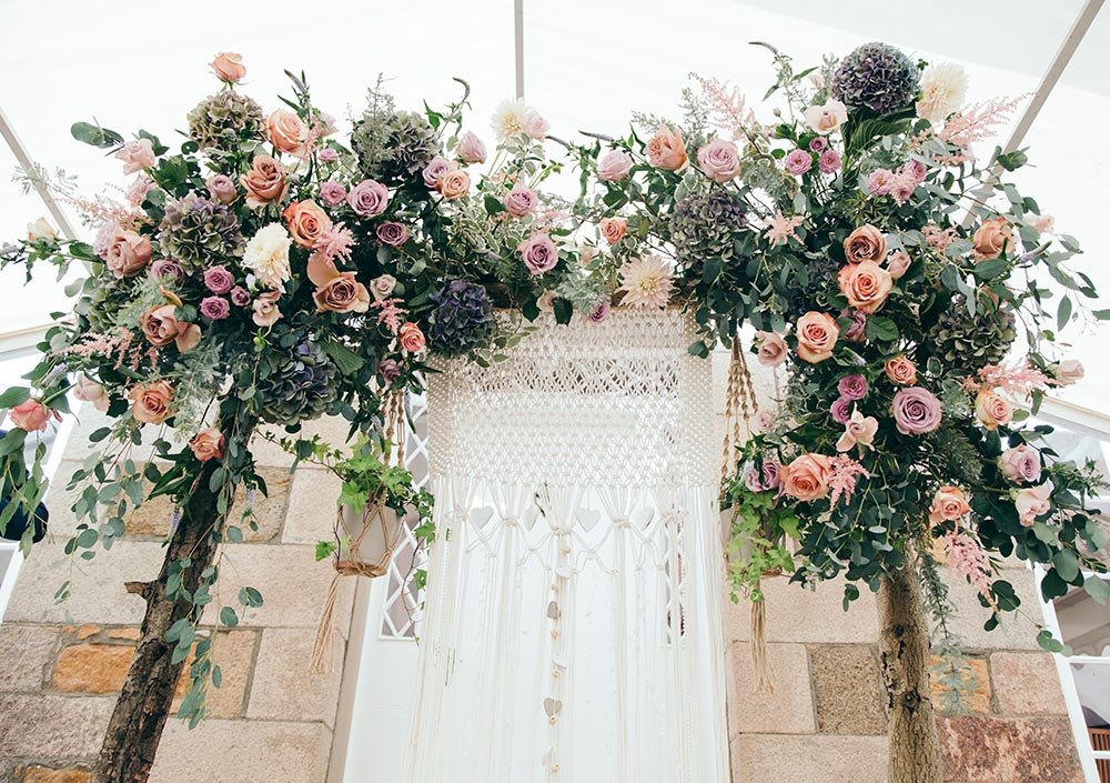 5-wilde-thyme-wedding-flowers-ceremony-arch-rustic-muted-blush-ivory-durrell.jpg