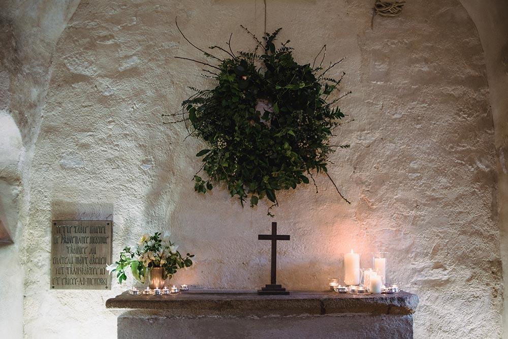 9-wilde-thyme-wedding-florals-la-hougue-bie-jersey-wedding-jersey-heritage-chapel-decor.jpg