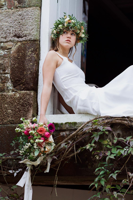 11-wilde-thyme-photoshoot-styling-bridal-flowercrown.jpg