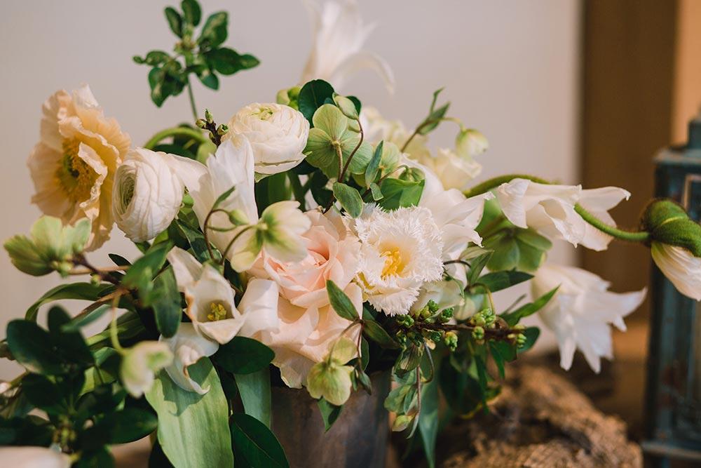20-wilde-thyme-wedding-florals-spring.jpg