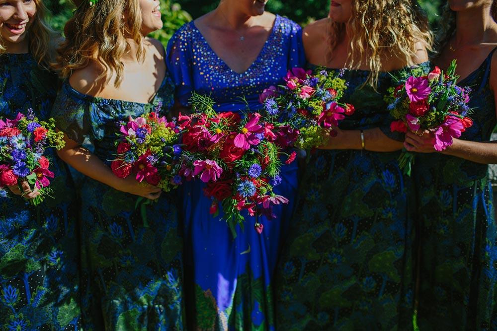 8-wilde-thyme-wedding-flowers-garden-roses-cosmos-bright-beautiful.jpg