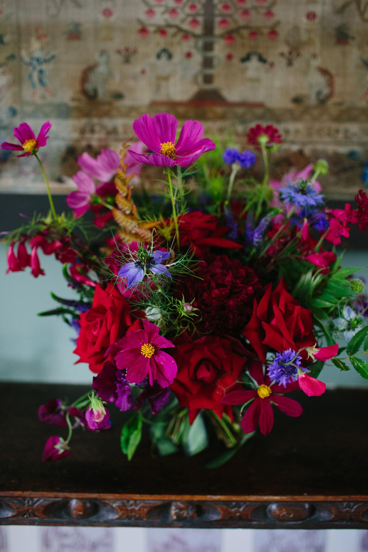 10-wilde-thyme-summer-wedding-bridal-bouquet-vibrant-colours.jpg