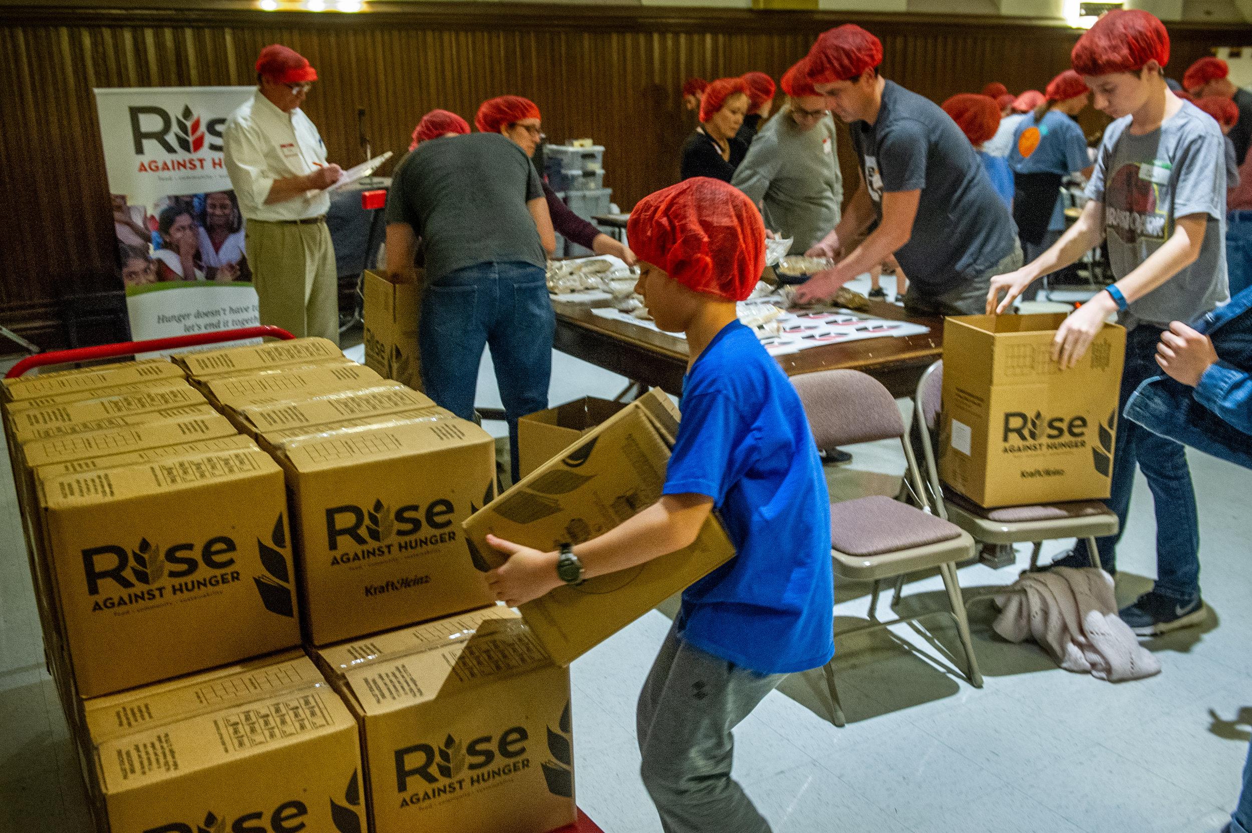 rise-against-hunger-038_44140478980_o.jpg