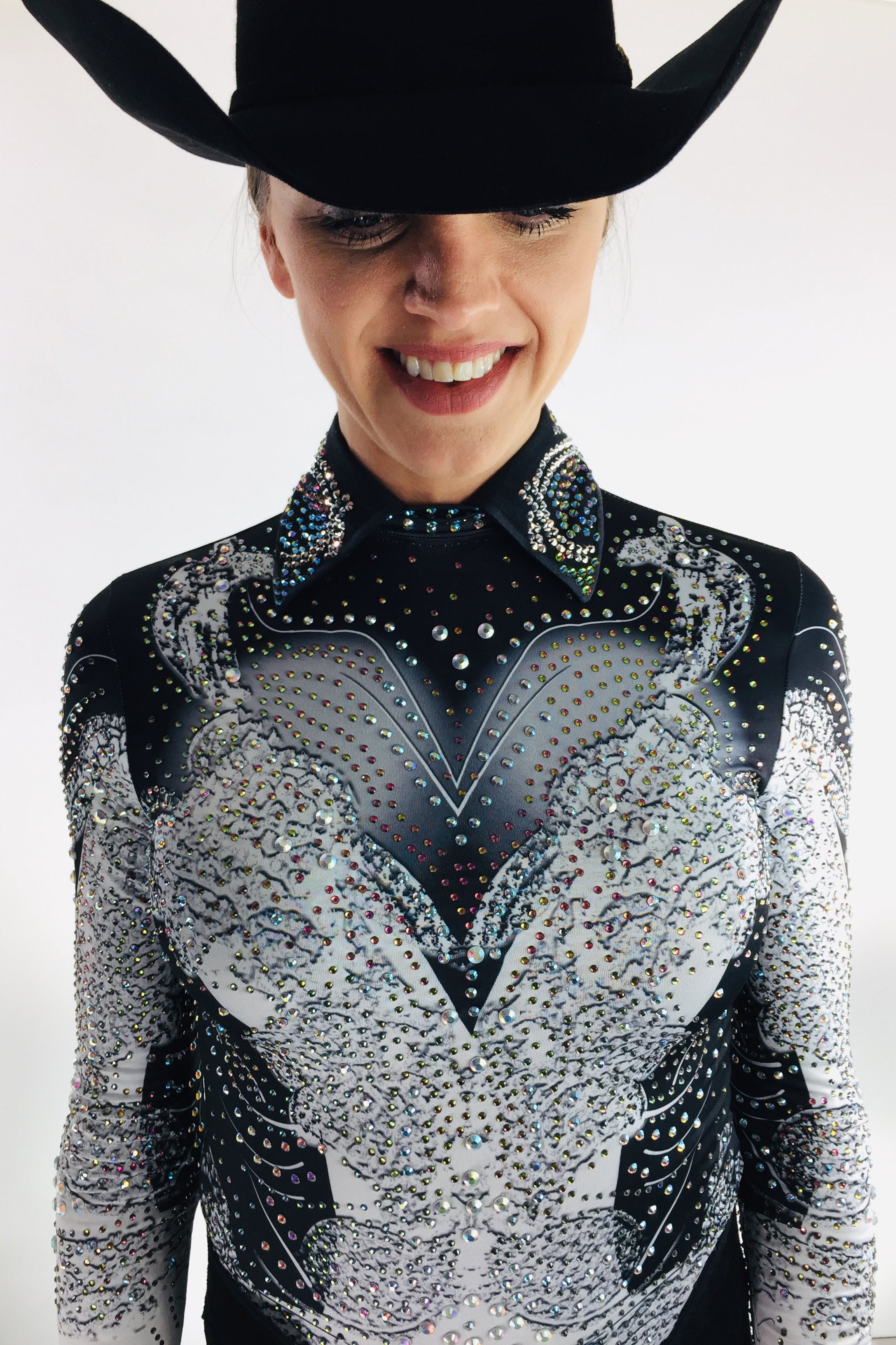 sparkle-ridge-western-show-clothes-anita-shades-of-grey11.jpg