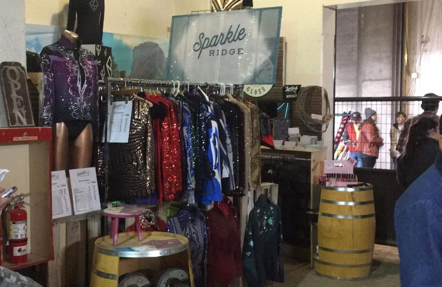 sparkle-ridge-western-show-clothes-tanbark-cavalcade-of-roses-sparkle-ridge-western-show-cothes-booth.JPG