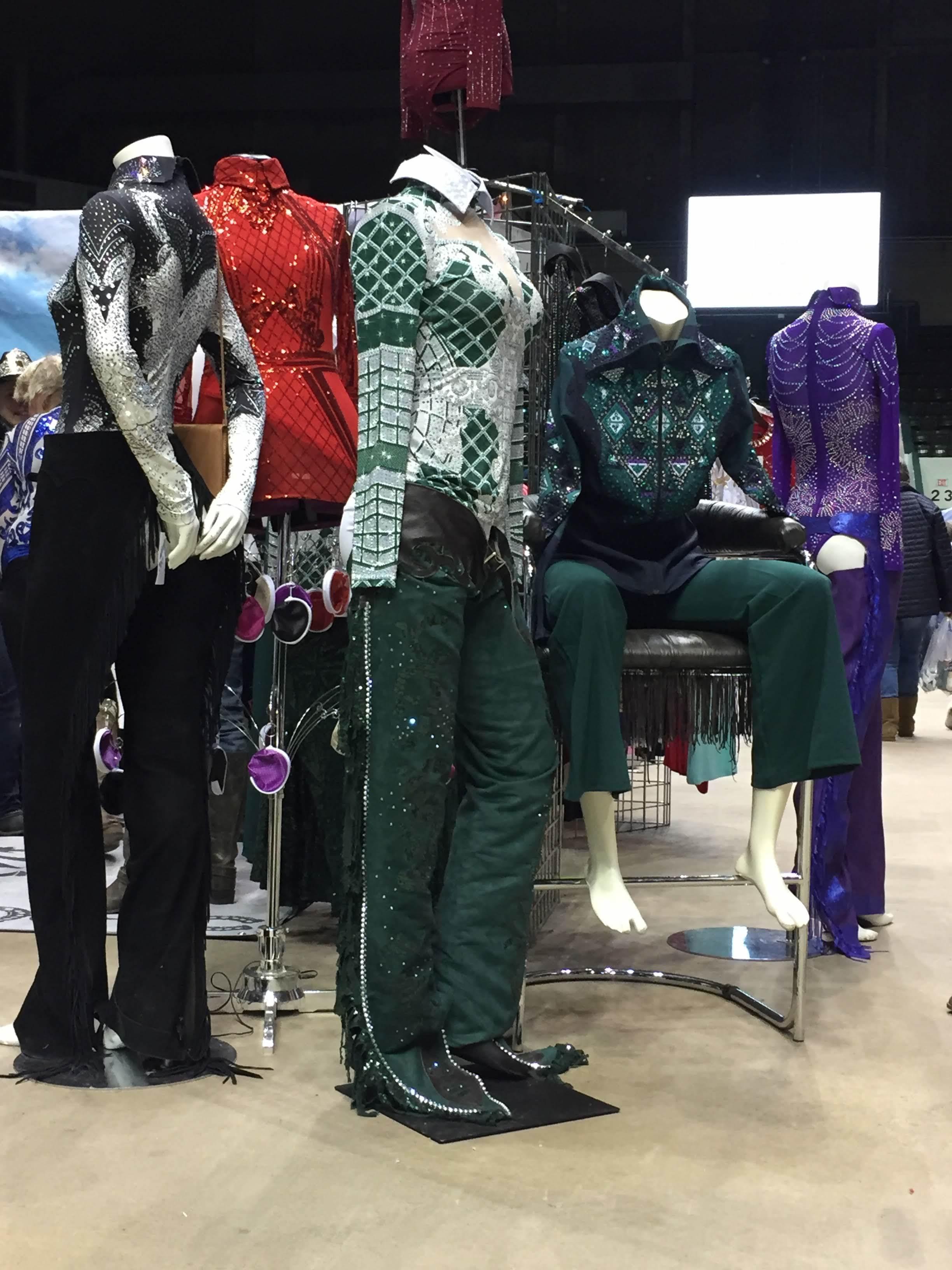 sparkle-ridge-western-show-clothes-horse-crazy-market.JPG