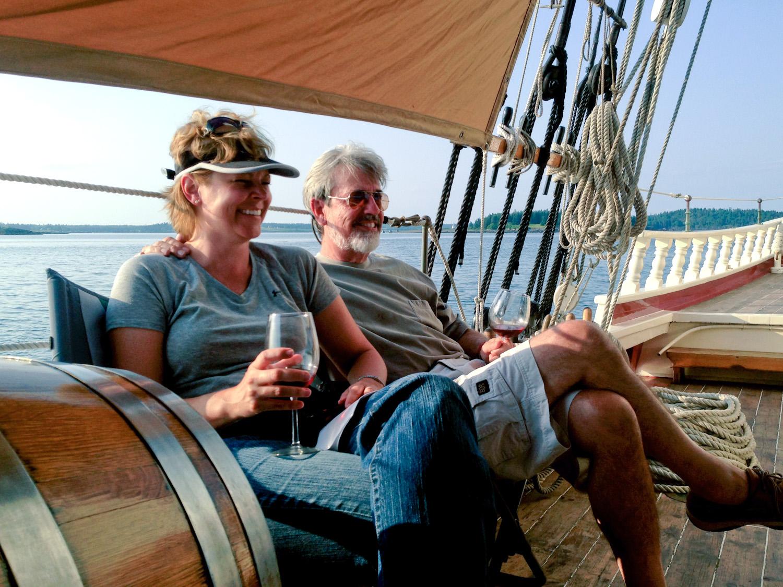 happy-couple-wine.jpg