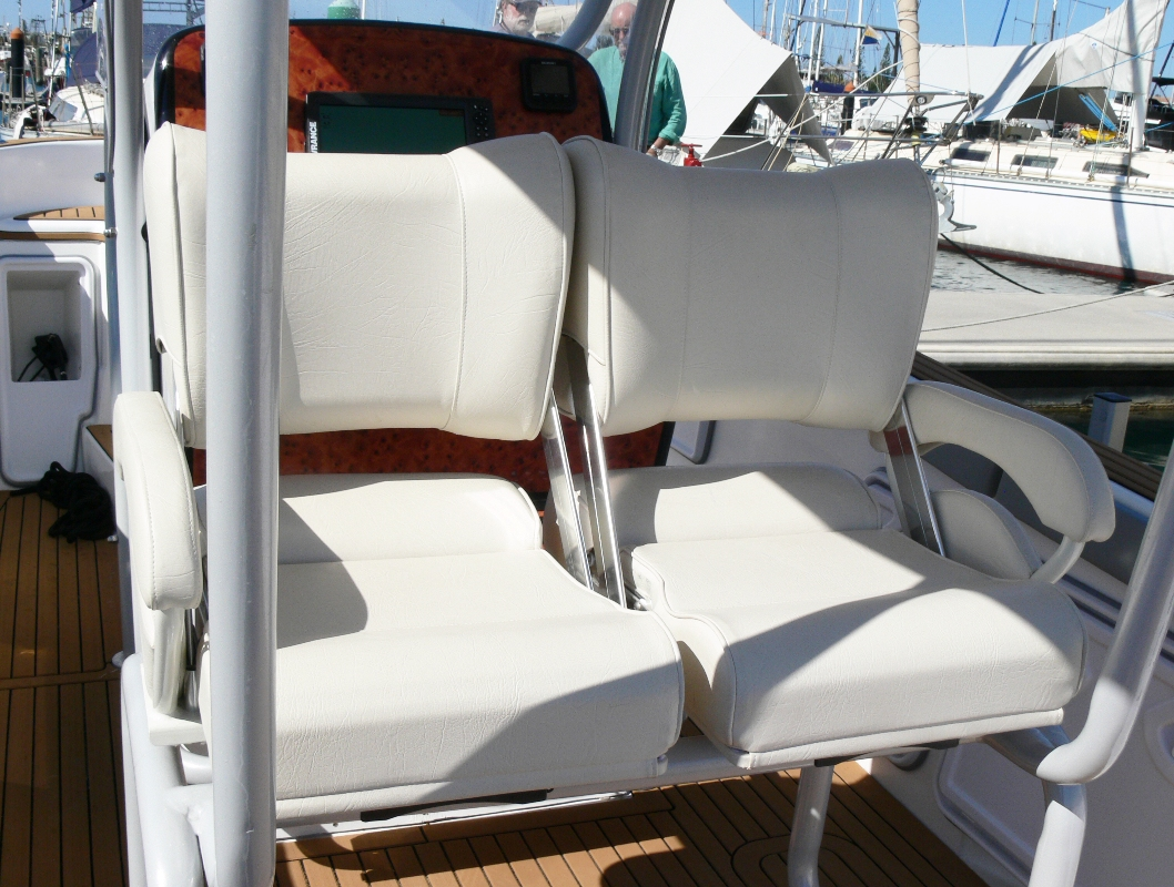 Seats reverse facing 2 rz.jpg