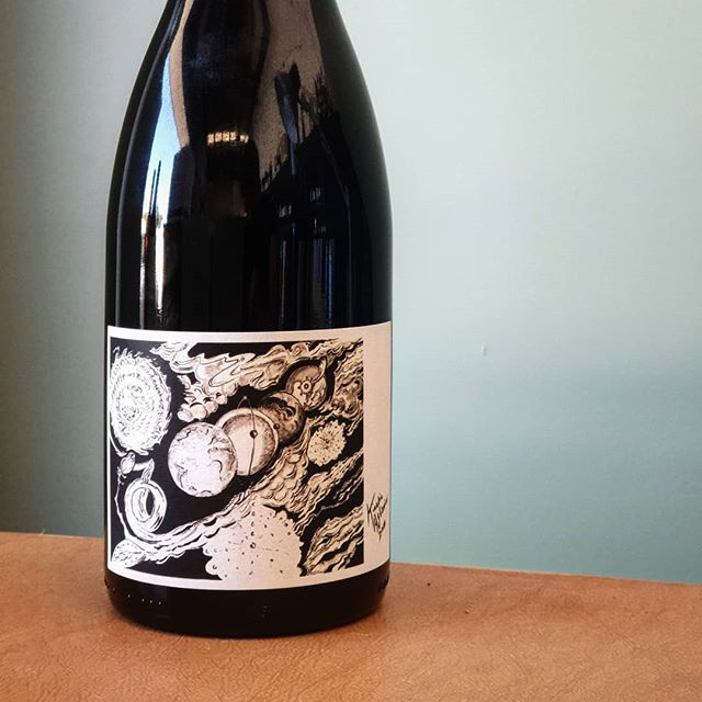 Kinetic Aglianico from the Adelaide hills. Made for days like today. Juicy and fresh, summer berries, wack it in the fridge for chilled sipping on spring eve's. Artwork by @dustinbookatz depicting energy moving from Sun to earth. Grape to wine. Us to you. Kinetic energy as a living force. Vis viva!