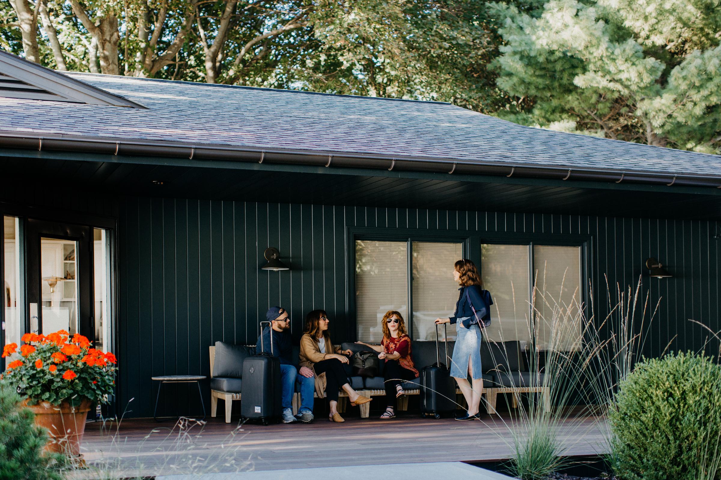 LakeShoreResort_Saugatuck_Motel.jpg
