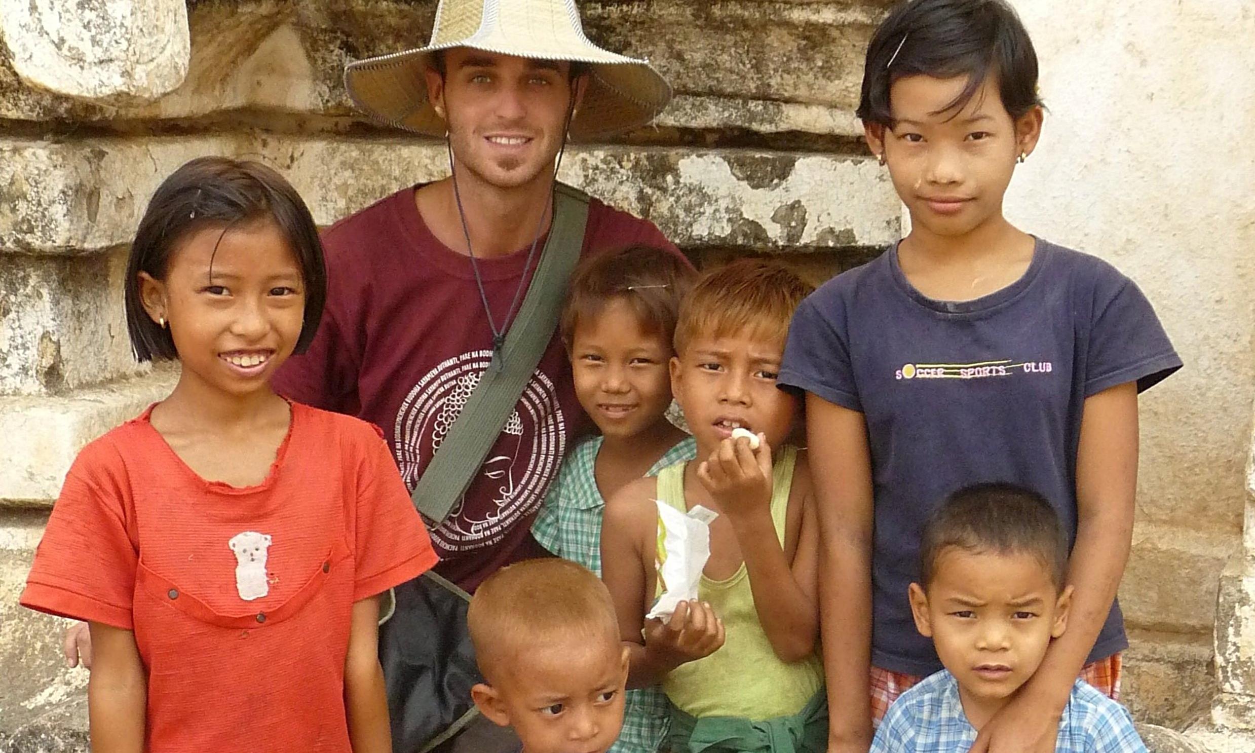 volunteer-myanmar.JPG