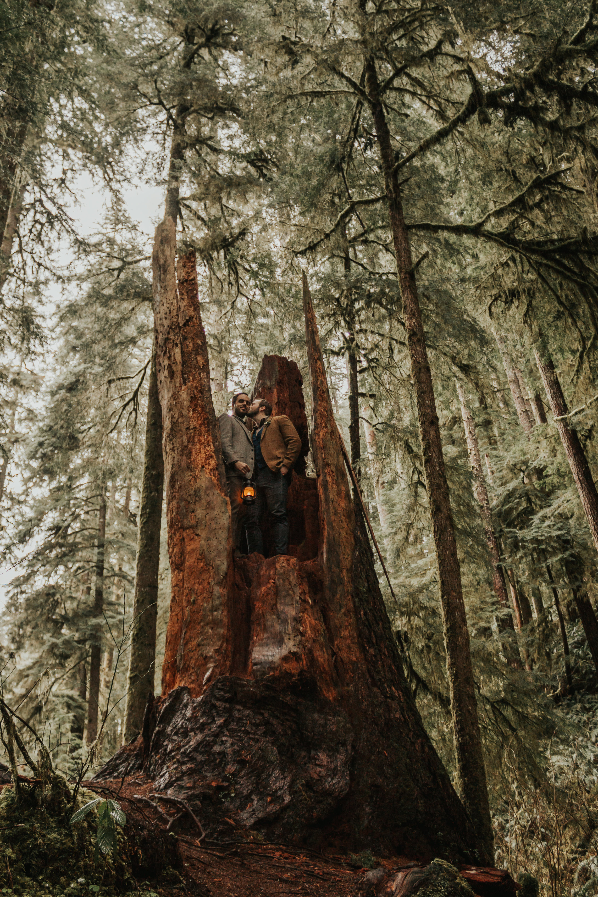 Oregon-Forest-Elopement-LGBT-Wedding-Photographer