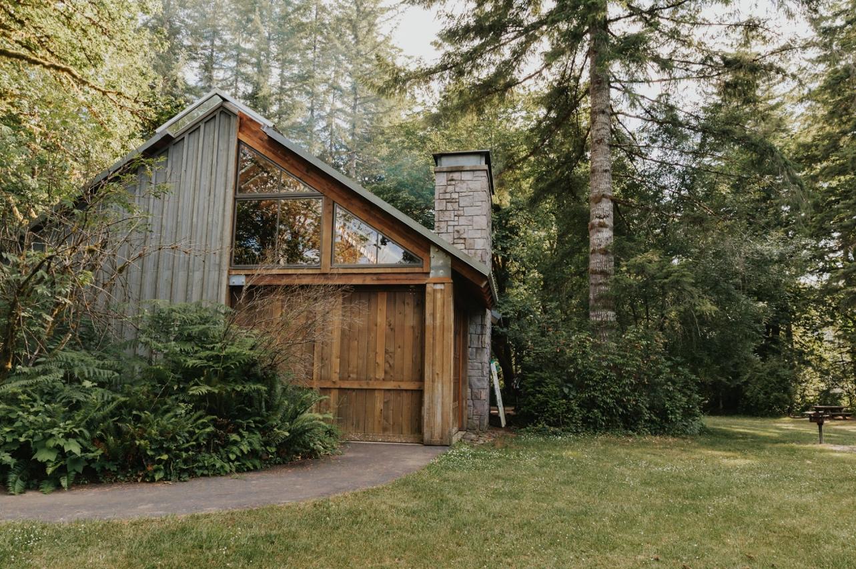 032_Ragan&Max-2210_Oregon_Forest_Smith_Wedding_Tillamook_Oregon-Forest-Wedding_Homestead_Tillamook-Forest-Wedding.jpg